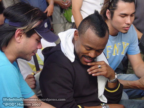 (l-r) AD RS Francisco, apl.de.ap and Erin Pascual
