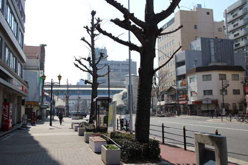looking towards Osakako Station. i took pictures in case i got lost on the way back.