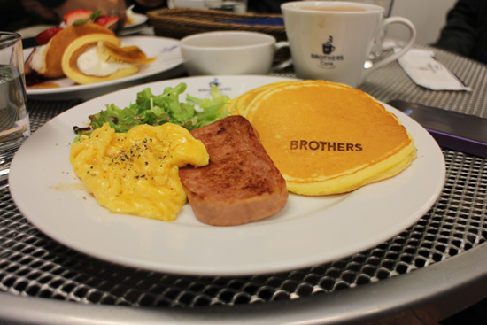 spam, eggs and pancakes for dinner at Brothers Cafe