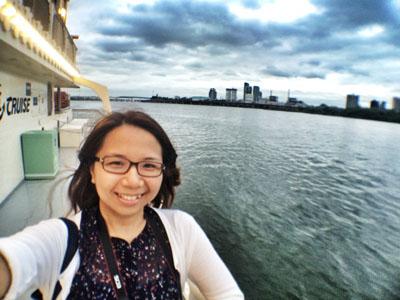 enjoying the Hangang River Ferry Cruise