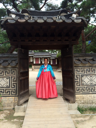 hanbok wearing experience in Unhyeongung Royal Residence