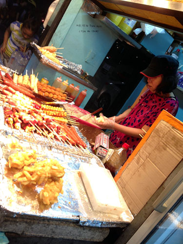 street food stall in Dongdaemun